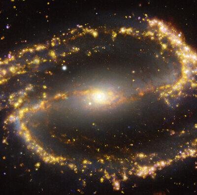 NGC 1300 vue par le VLT et l'ALMA dans plusieurs longueurs d'onde de lumière